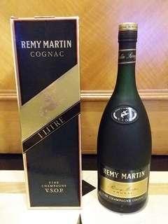 舊裝一公升黑章Remy Martin VSOP 40% 100cl Cognac Brandy 人頭馬干邑拔蘭地