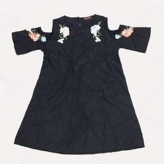 🚚 Embroided Black Dress