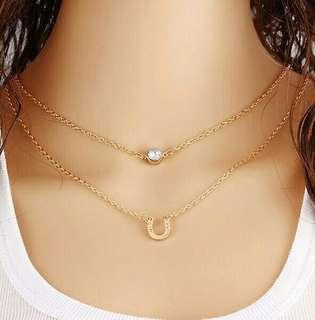 Horseshoe shape necklace