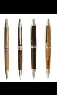 UNI三菱 橡木筆桿自動鉛芯筆0.5mm