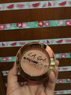 LA girl storbing powder
