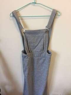 全新吊帶裙 灰色 顯臀部