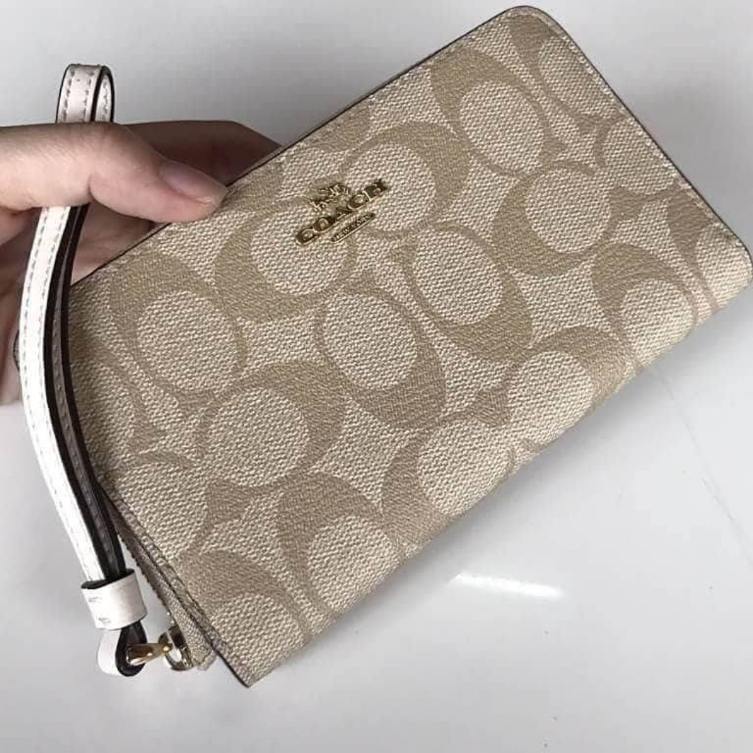 Authentic Coach Phone Wallet In Signature Coated Canvas F57468 - Chalk 22aec7d7b93d9