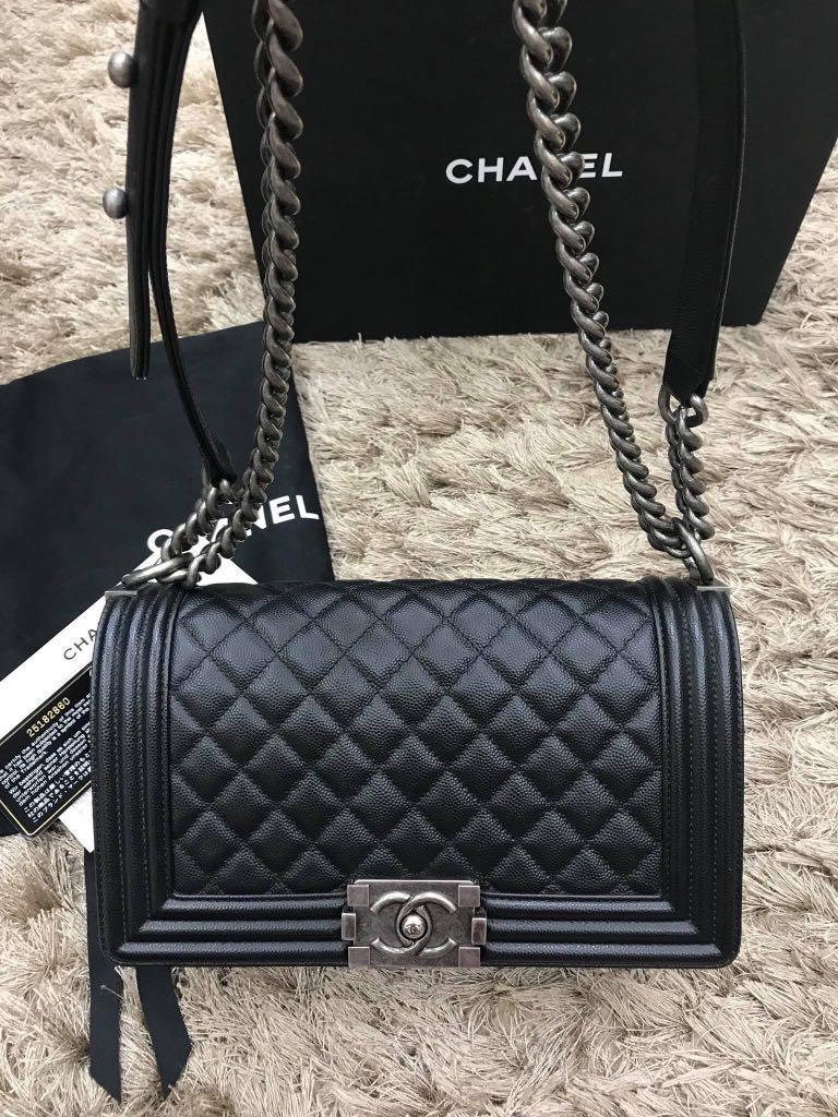 41d9dfd964a4 Chanel Boy Old medium