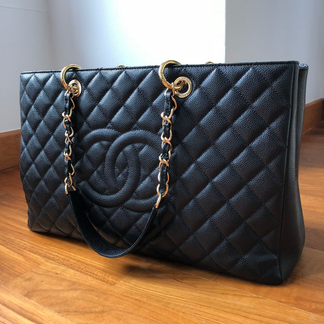 132b7c5922d0 Chanel GST XL, Luxury, Bags & Wallets, Handbags on Carousell
