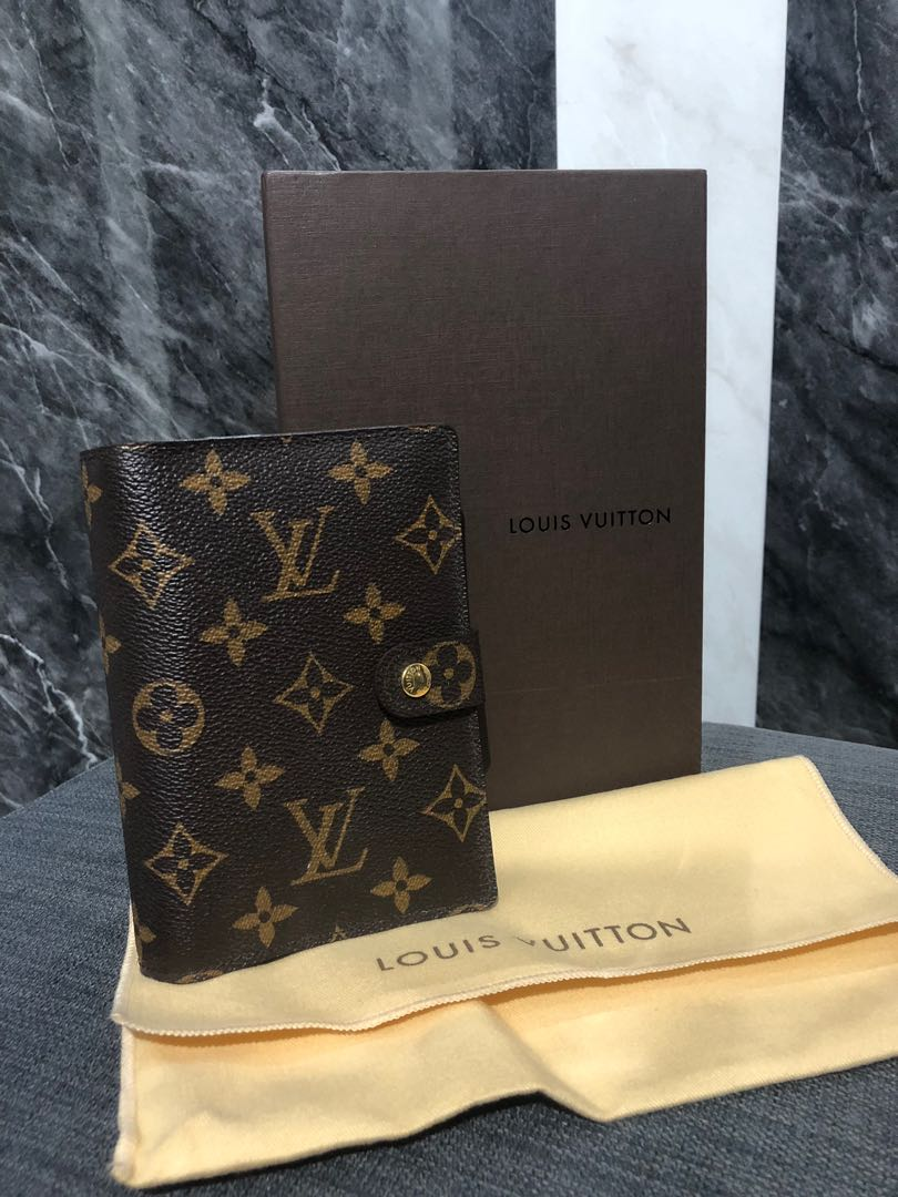 2817186e035f Louis Vuitton SMALL RING AGENDA COVER