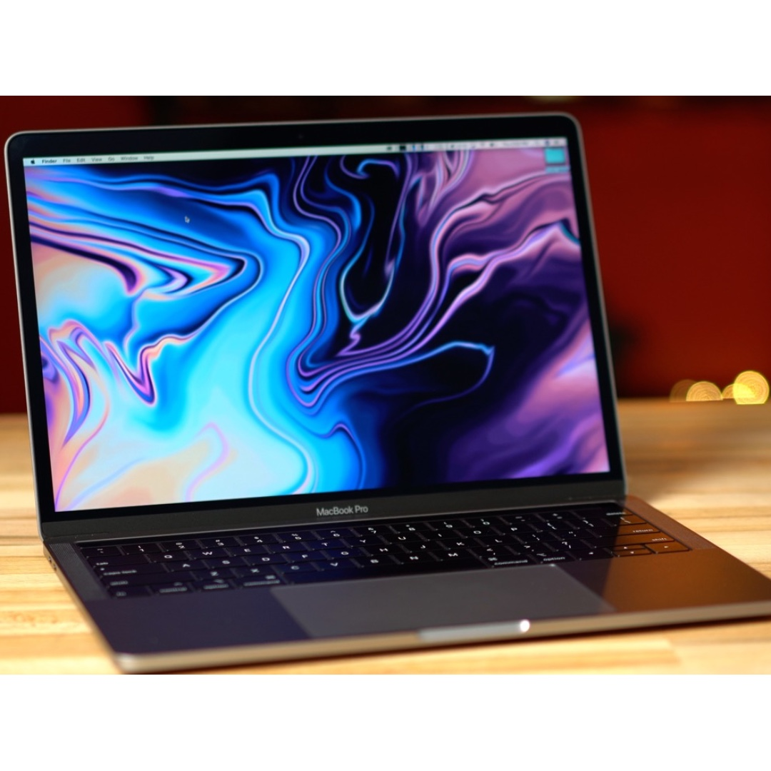 MacBook Pro (13-inch, 2018, Four Thunderbolt 3 Ports