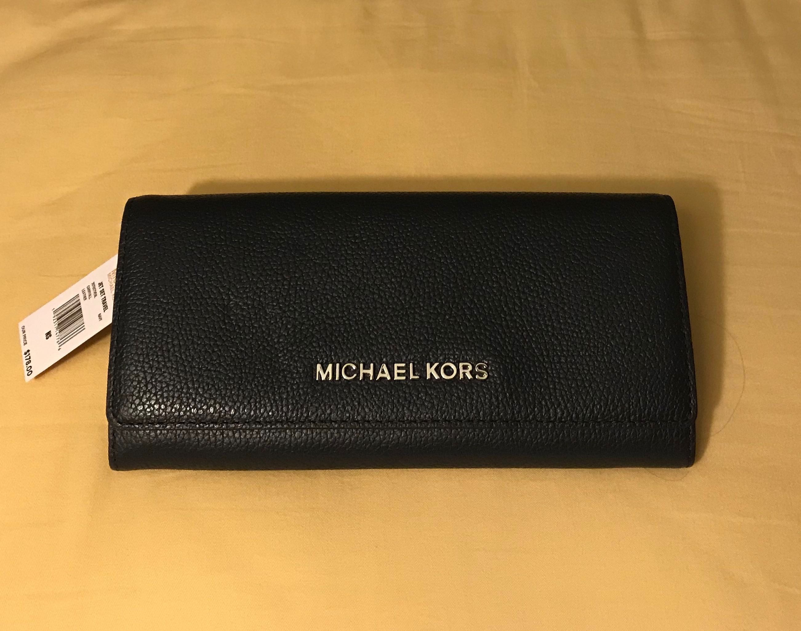 f3558b975ea0 Michael Kors Women's leather Wallet , Women's Fashion, Bags ...
