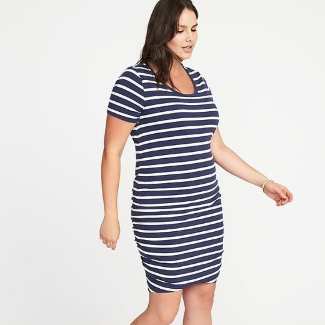 1d6ec022c854 Old Navy Women s Plus-Size Scoop- Neck Bodycon Dress