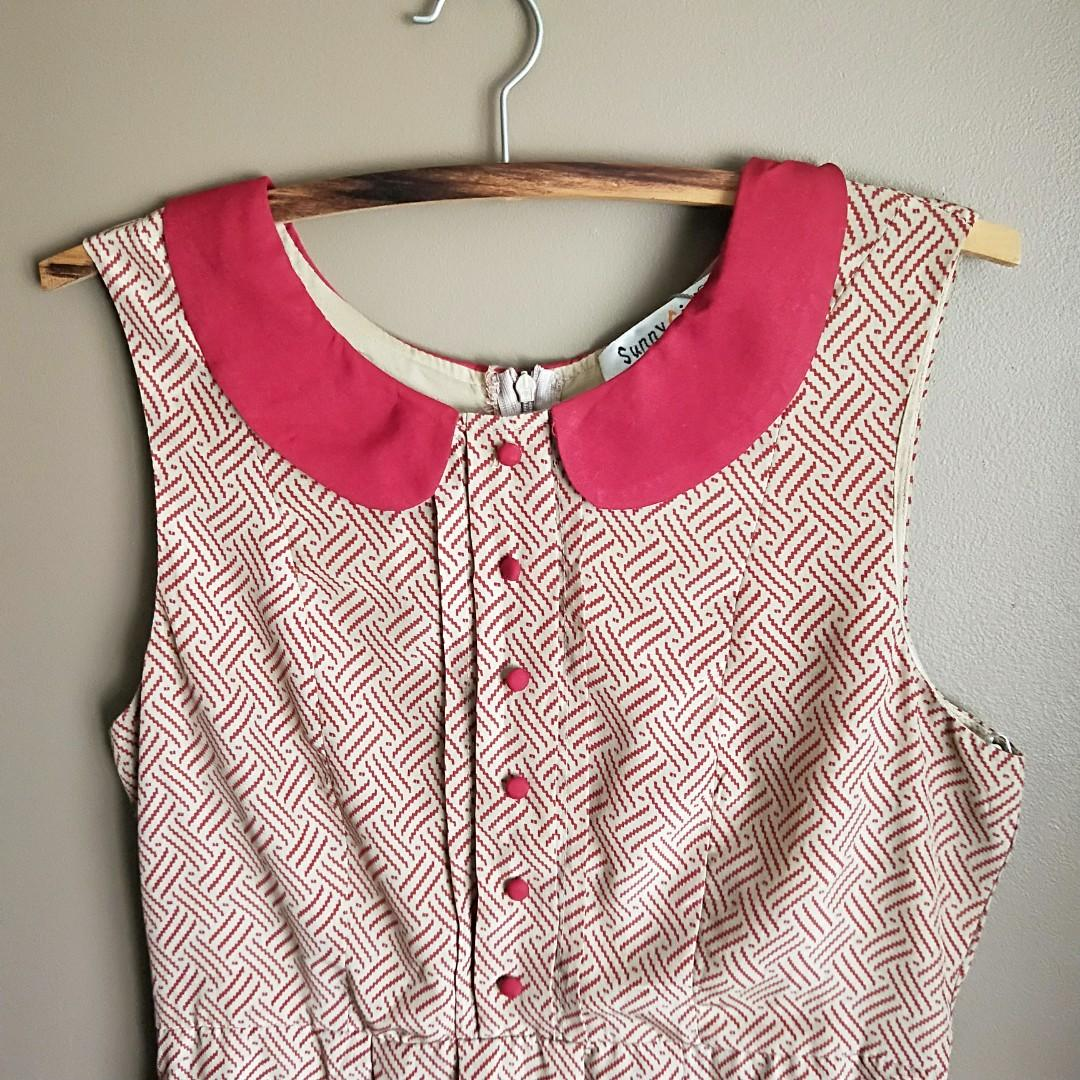AU 8-10 Red patterned sleeveless dress with peterpan collar