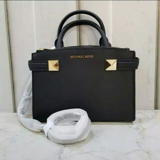 b1b080b2883a91 Tas mk karla ori sale, Luxury, Bags & Wallets on Carousell