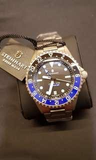 Collector's Steinhart Titanium 500 GMT Premium!