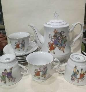 Very rare complete tea set from 70/80s