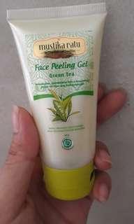 MUSTIKARATU - Green Tea Peeling Gel