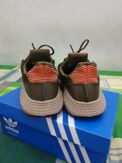 sepatu lifestyle