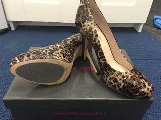 Brand new Isabella Anselmi heels