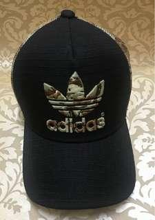 Adidas時尚迷彩帽