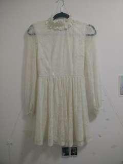 Keyhole Back Lace Dress (Size S)