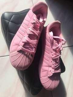 Sepatu wanita pink 40