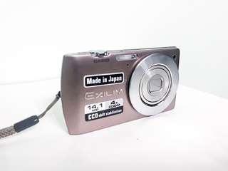 Casio exilim s200_digital camera