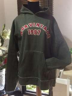 Sweater Hijau Army
