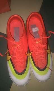 Sepatu futsal Nike original