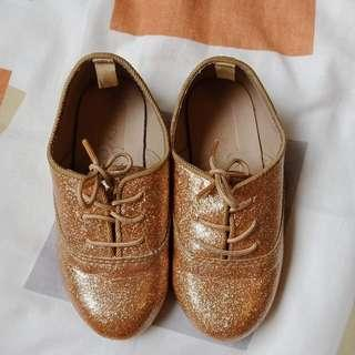Crazy 8 Gold Oxford Shoes (size 7)