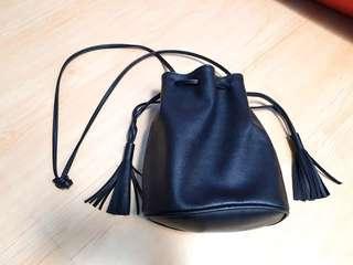 Sling bag tassel murah