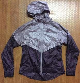Nike Windbreaker Hoodie Jacket Authentic  Women