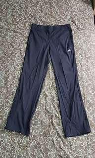Adidas  climalite 運動褲 L碼