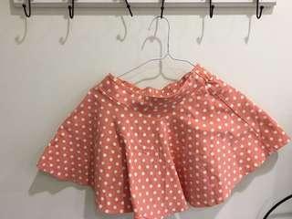 🚚 少女點點短裙