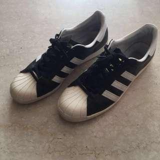🚚 Adidas Superstar 黑金標 US11.5
