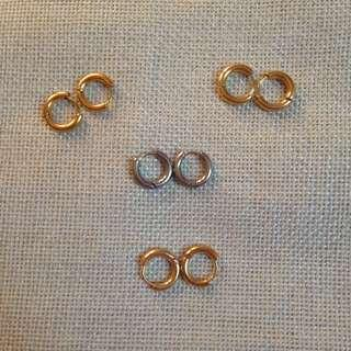 1cm hoop earrings on hand