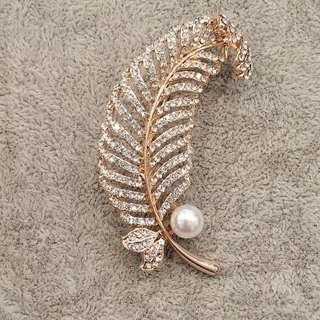 Rose Gold Feather Brooch with Pearl