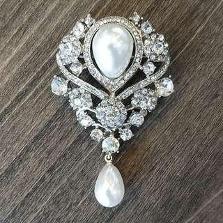 Teardrop Pearl Rhinestones Crystals Brooch