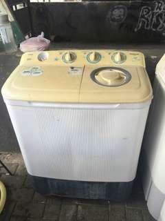 Mesin cuci 2 tabung Sanken 8 kg