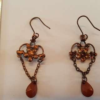 """New: set of stylish earrings, with set of smaller """"diamond"""" cut stones and larger pendent"""