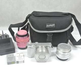 1機3鏡 Nikon 1 J5 Kit set 繁體行貨白色機身 10-30mm pd zoom 35mm定焦 30-110mm粉紅色長鏡 送相機袋+小三腳架