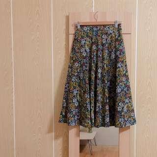 🚚 日本復古水彩風格花卉高腰傘裙