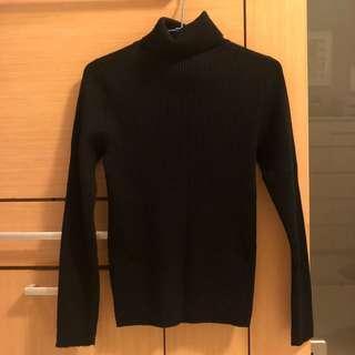 🚚 GU黑色套頭毛衣
