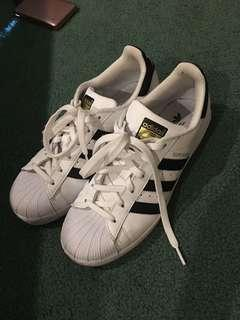 Size 7 adidas superstars