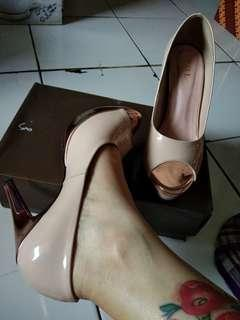 Heels xml sepatu