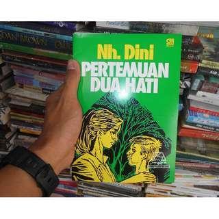 Buku Novel sastra lawas Pertemuan Dua Hati by Nh. Dini