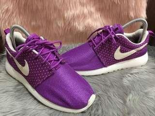 Original Nike Roshe  can pass as 10/10  Sz6/36.5/23cm  gaan sa paa  No issue