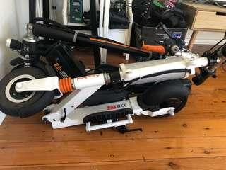 Airwheel z3 and z5 scooter