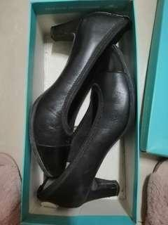 Rockport Black Office heels