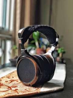 Hifiman HE560 planar magnetic headphone