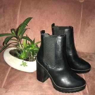 Asos Black Chunky Boots Au6