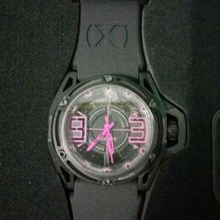 2(x)ist NYC quartz watch