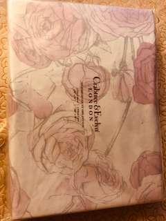 Crabtree & Evelyn London 床單加二個枕頭袋